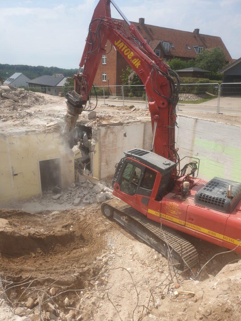 gravemaskine 30 tons